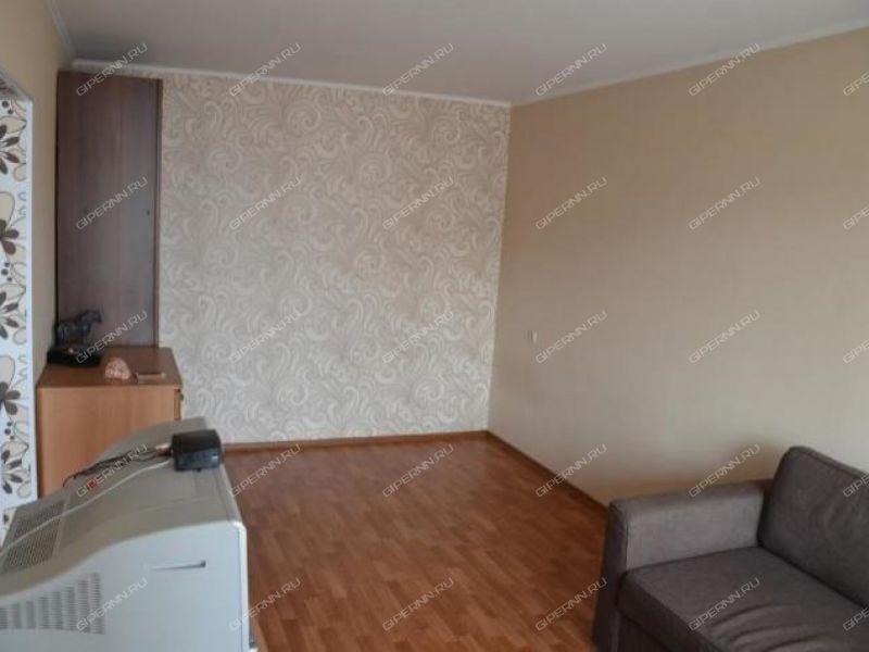 комната в доме 66 на проспекте Героев